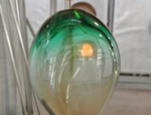 Nel trofeo per l'ambiente del Green Drop Award 2019 alla Mostra del cinema di Venezia c'è la terra di 2001 Odissea nello spazio, dalla Gola dell'Olduvai culla dell'umanità